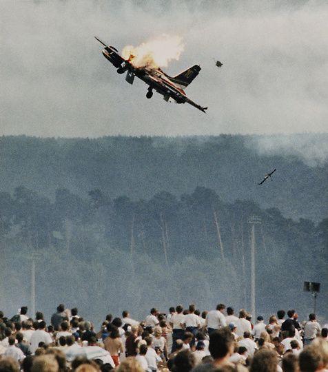 crash06 Трагедии на авиашоу разных лет