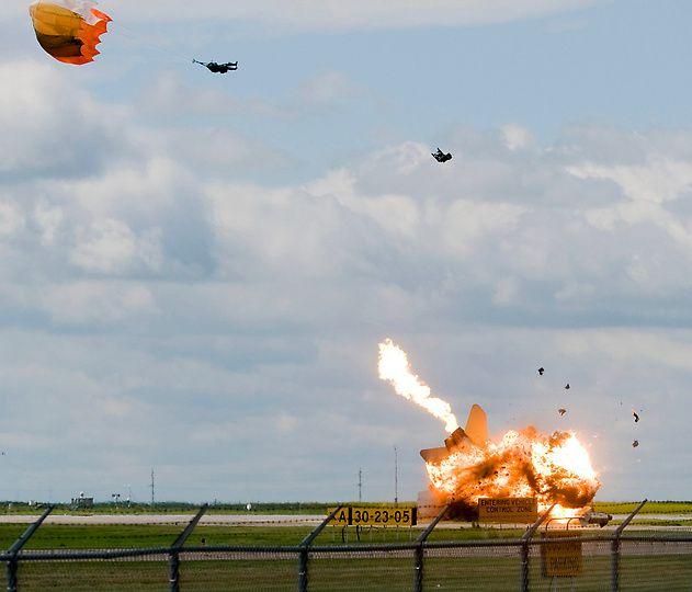 crash29 Трагедии на авиашоу разных лет