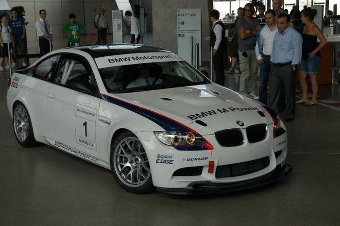 Музей BMW (72 фото)