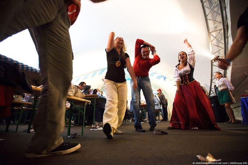 Октоберфест 2011 в Киеве (23 фото)