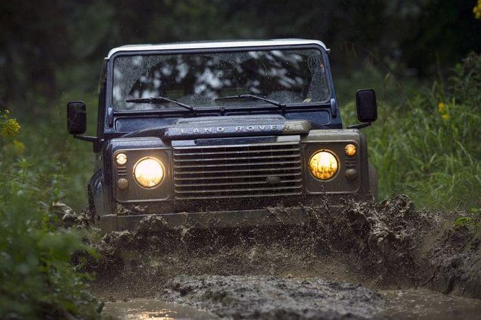 В Land Rover обновили модель Defender (24 фото)