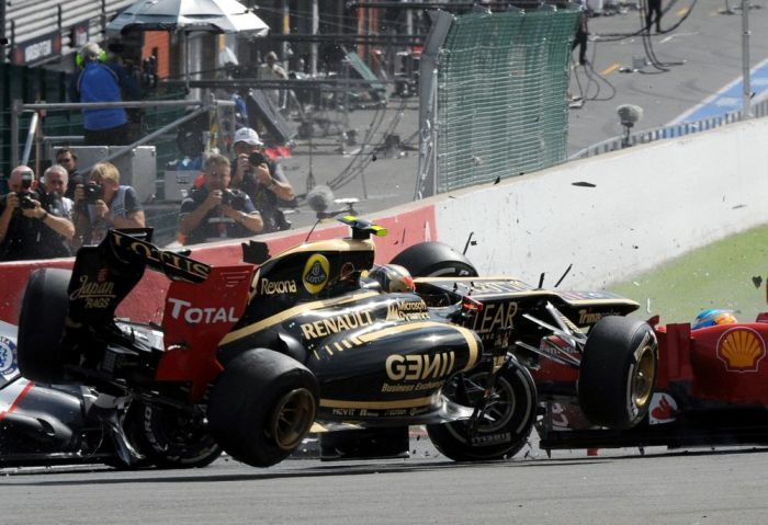 Авария на Гран-при Бельгии (10 фото)