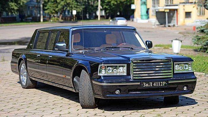 Завод АМО ЗИЛ совместно с ЗАО Депо-Зил построили президентский лимузин (12 фото)