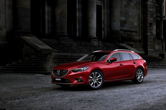 Компания Mazda представила первые фотографии универсала Mazda6 (5 фото)