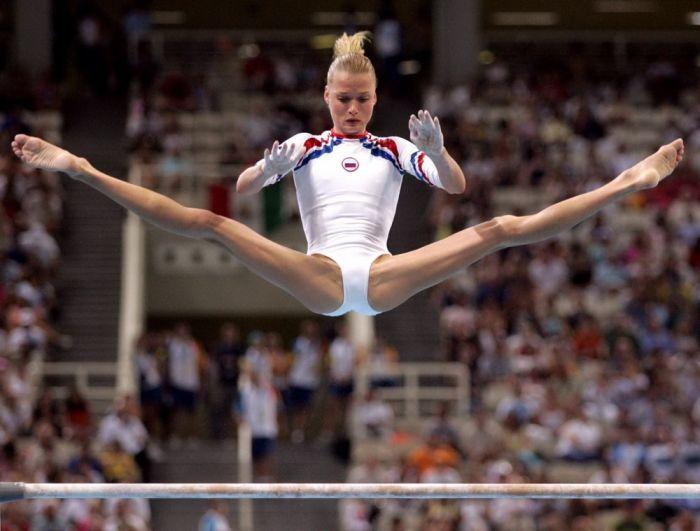 Член откровенная одежда спортсменок фото члена киски
