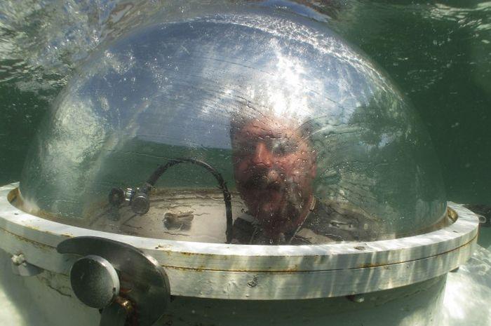 Приснилась субмарина - проснулся и построил (5 фото)