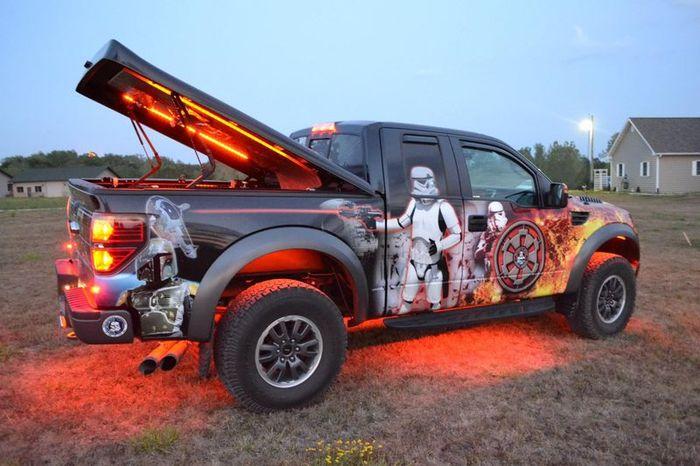 Реальная тачка настоящего фаната Star Wars (44 фото+2 видео)