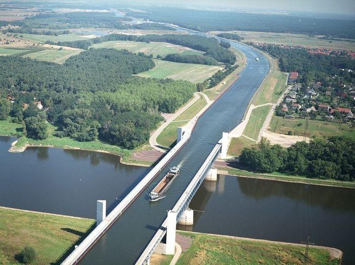Самые грандиозные мосты со всего мира (20 фото)