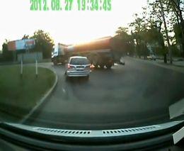 В Ставрополе перевернулся бензовоз
