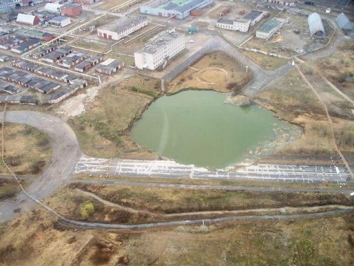 В городе Березники Пермского края произошел обвал грунта (6 фото + 1 видео)