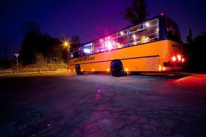 Необычный автобус для вечеринок Party Bus (8 фото)