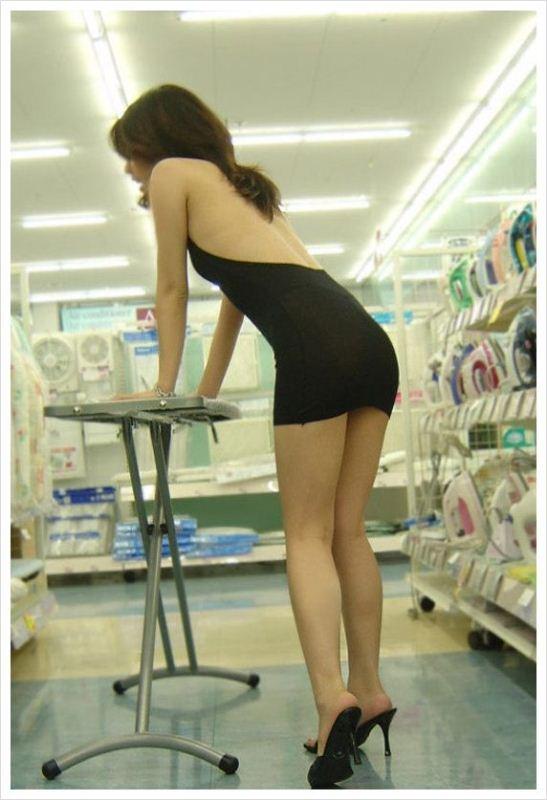 Голые в магазине фото Прочитала