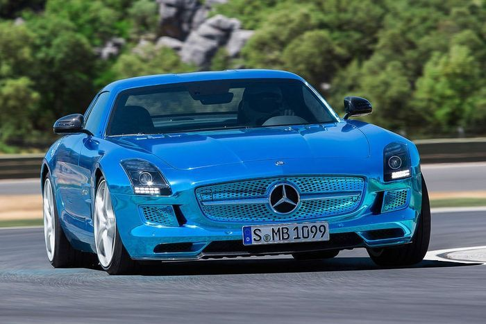 Компания Mercedes-Benz представила SLS AMG Coupe Electric Drive (6 фото)