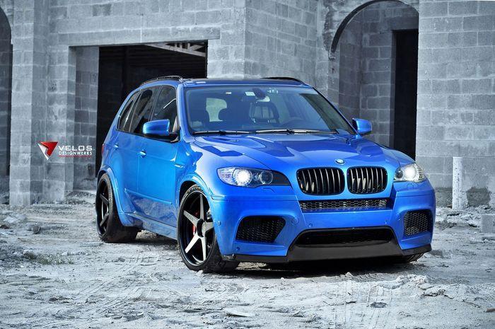 В ателье Velos Designwerks поработали над BMW X5M (12 фото)