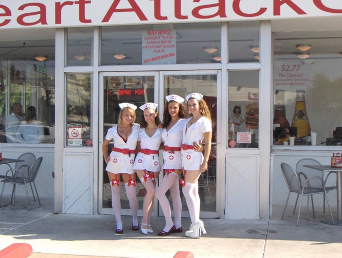 Heart Attack Grill (7 фото)