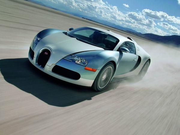 Эксплуатационные показатели Bugatti Veyron 16.4 8.0 W16<br> Время разгона от 0 до 100 км/ч (МКП/АКП) 2.5 / -<br> Максимальная скорость, км/ч (МКП/АКП) 407 (-)<br> Расход топлива в городе, л/100 км (МКП/АКП) 40.4 (-)<br> Двигатель Bugatti Veyron 16.4 8.0 W16<br> Тип бензиновый турбированный W16<br> Рабочий объем, куб.см 7993<br> Мощность, л.с. (кВт) при об/мин 1001 (736) / 6000<br> Максимальный крутящий момент Нм при об/мин 1250 / 2200<br> Трансмиссия Bugatti Veyron 16.4 8.0 W16<br> Тип МКПП<br> Привод полный<br> Кузов Bugatti Veyron 16.4 8.0 W16<br> Габариты, ДхШхВ 4462 X 1998 X 1204<br> Снаряженная масса автомобиля, кг 1888