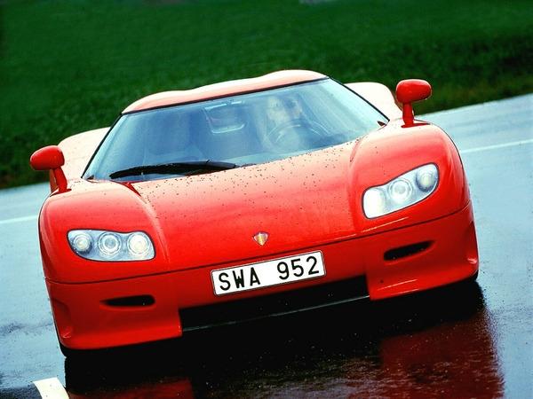 Эксплуатационные показатели Koenigsegg CC 4.7<br> Время разгона от 0 до 100 км/ч (МКП/АКП) 3.5 / -<br> Максимальная скорость, км/ч (МКП/АКП) 390 (-)<br> Двигатель Koenigsegg CC 4.7<br> Тип бензиновый турбированный Supercharged V8<br> Рабочий объем, куб.см 4700<br> Мощность, л.с. (кВт) при об/мин 655 (482) / 6800<br> Максимальный крутящий момент Нм при об/мин 750 / 5000<br> Трансмиссия Koenigsegg CC 4.7<br> Тип МКПП<br> Привод задний, LSD<br> Кузов Koenigsegg CC 4.7<br> Габариты, ДхШхВ 4190 X 1990 X 1070<br> Снаряженная масса автомобиля, кг 1175