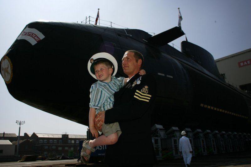 соцсетей также жизнь подводника фото уберегает