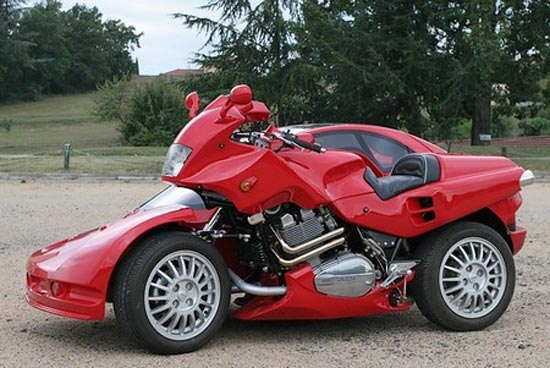 motorcycle and car Car vs motorcycle there have been many attempts to compare and differentiate between car and motorcycle in the past how do you differentiate two.