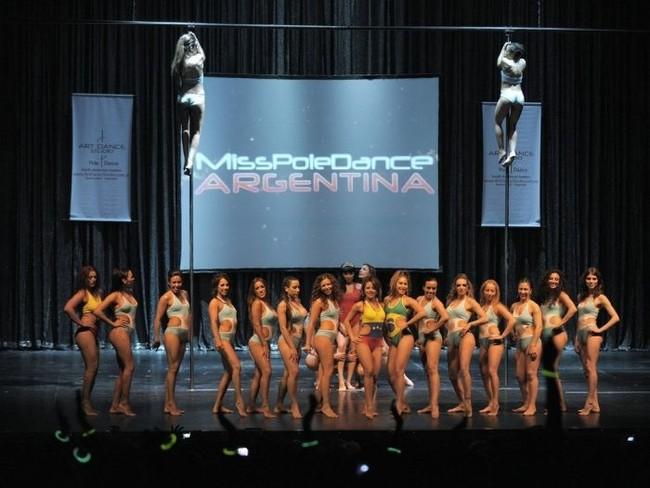 Танцы у шеста Мисс Южная Америка (12 фото)