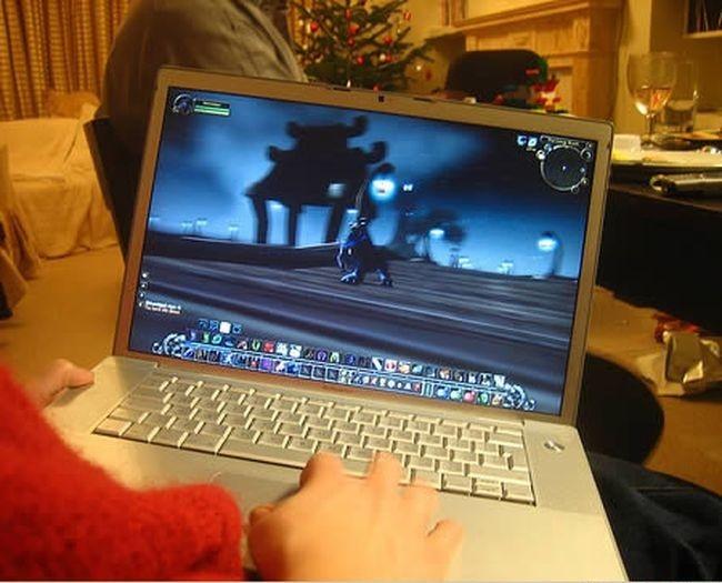 Тестер World of Warcraft<br>Кто-то целыми днями гамает в Warcraft, а кто-то тестирует его и видимо ненавидит свою работу.