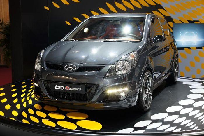 Hyundai и Brabus сотворили i20 Sport Edition (6 фото)