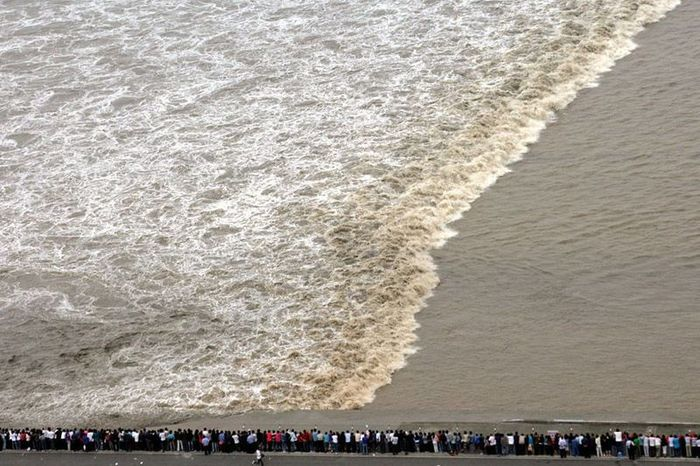 Морской китайский прилив (12 фото)