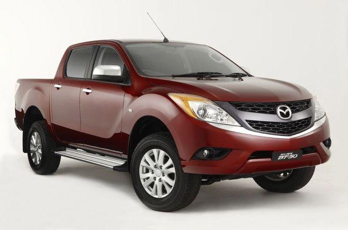 Показан новый пикап Mazda BT-50 (12 фото)