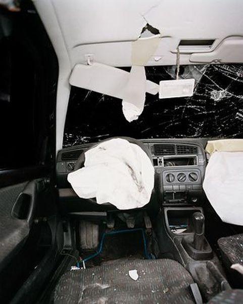 Фотографии салонов авто после ДТП (31 фото)