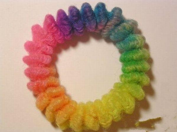 Резинки для волос разных цветов