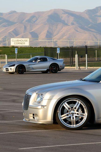 Chrysler 300C  с мотором  V10 от Dodge Viper (26 фото+видео)