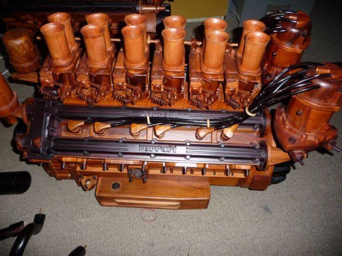 Двигатель Ferrari 365 V12 из дерева!!! (11 фото)