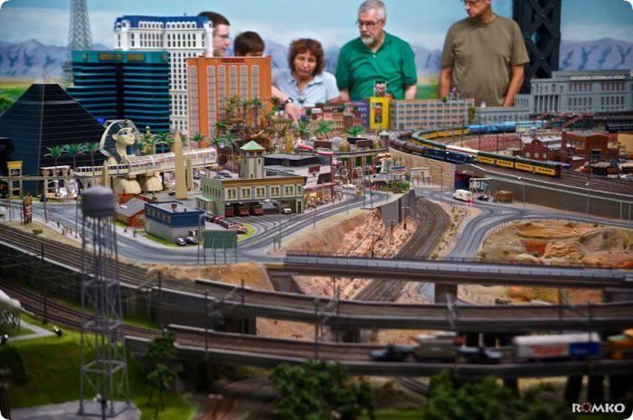 Самая большая в мире модель железной дороги (67 фото + видео)