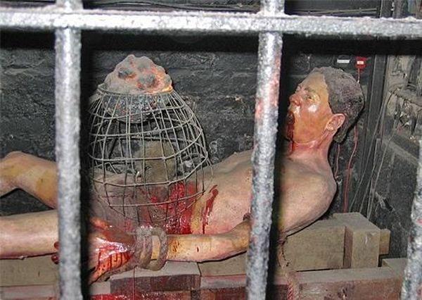 жестокая пытка рабов видео