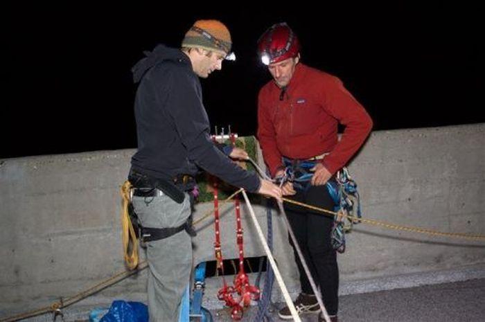 Экстремальное джакузи на высоте 100 метров (30 фото)