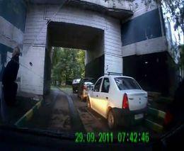 Водитель избежал наезда на пешехода