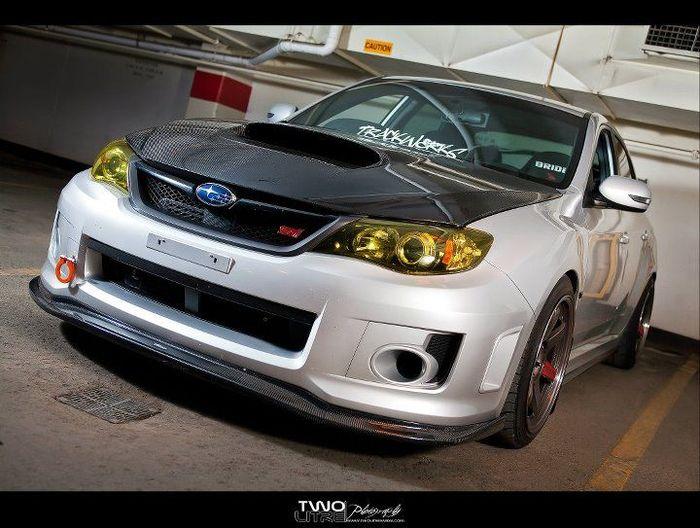 Subaru Impreza STI от тюнинг-ателье TrackWERKS (4 фото)