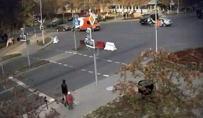 Полицейский Белоруссии чудом остался жив (4 фото+видео)
