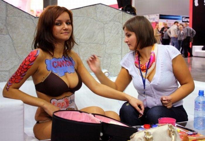 Девушки ИгроМира 2011 (28 фото)