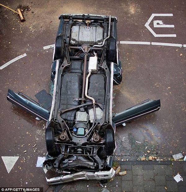 Припарковался в больницу (3 фото)