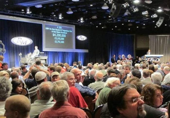 Трехколесный экипаж был продан на аукционе за 4,6 млн.$ (7 фото)