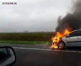 Зазевалась на горящую машину