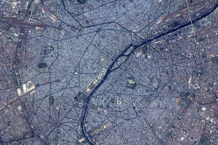 Удивительные фотографии нашей планеты, сделанные из космоса. (22 фото)