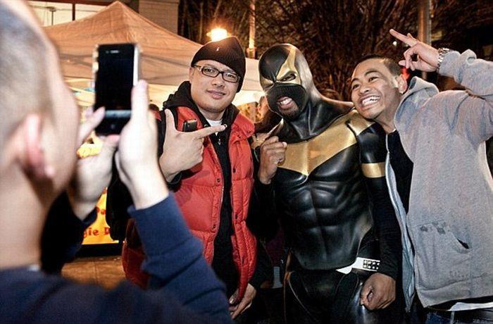 Новый супергерой Феникс Джонс (8 фото)