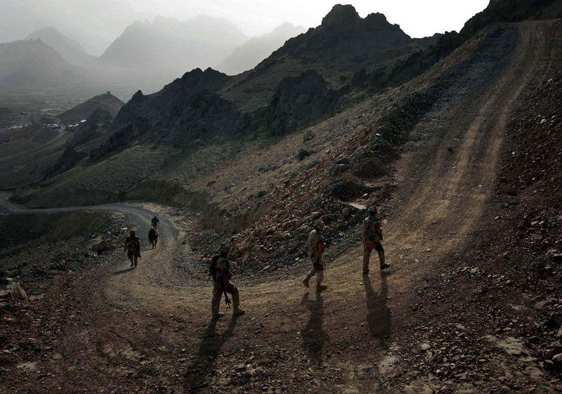 858 Дневник фотографа Финбарра ОРайли: война в Афганистане