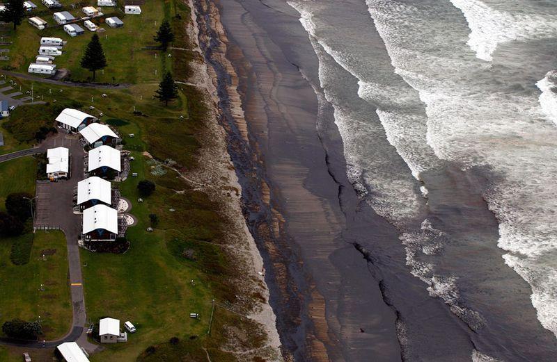 s n07 10130422 Разлив нефти у берегов Новой Зеландии