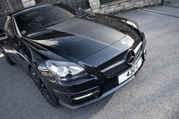 Mercedes SLK втройне затюнили AMG, Brabus и Project Kahn (4 фото)