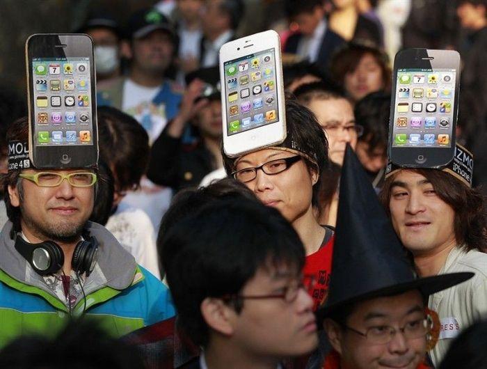 Покупка iPhone 4S по всему миру (13 фото)