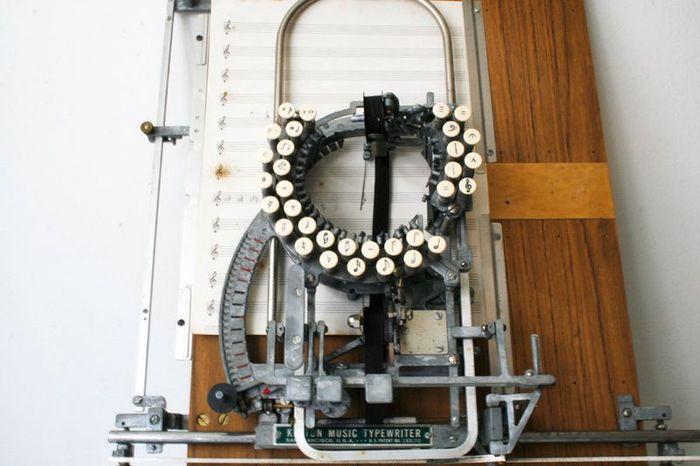 Нотная печатная машинка (3 фото)