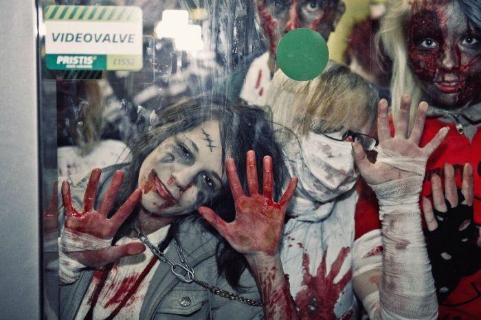 В Таллине прошел парад зомби (62 фото)